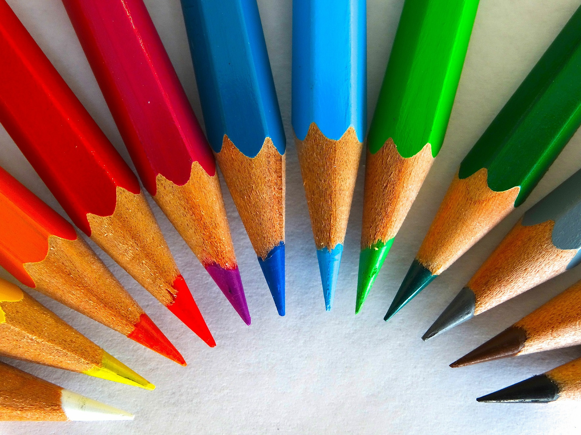 カラー配色+参考になるカラーチャートサイト、 女性向けファッションから見る、秋冬トレンドカラー